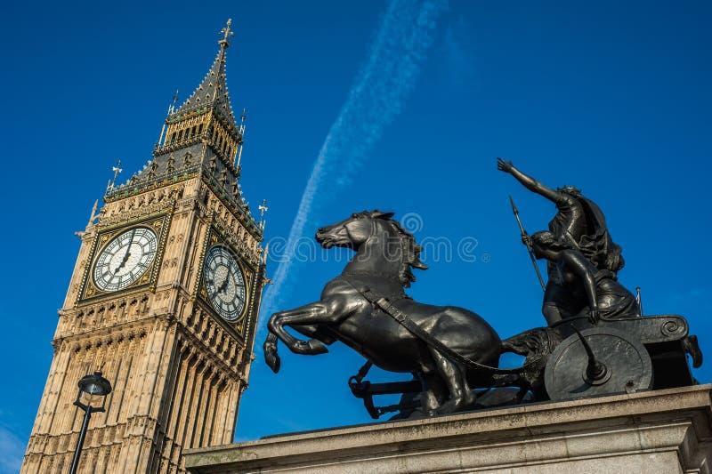 Boadicea Big Ben w Londyn i statua fotografia royalty free