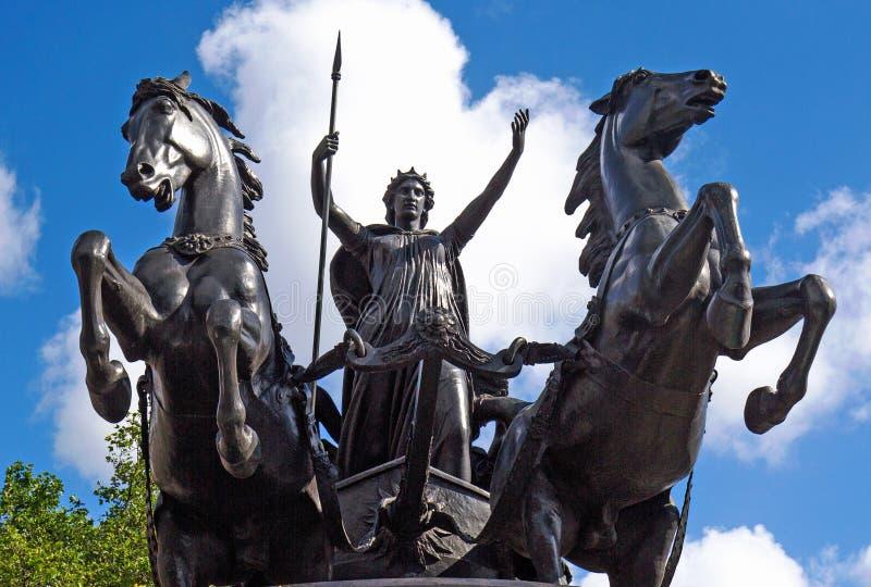 Boadicea e le sue figlie è un monumento scolpito bronzo ed è situato sul pilastro di Westminster a Londra Lo scultore era Thomas immagini stock