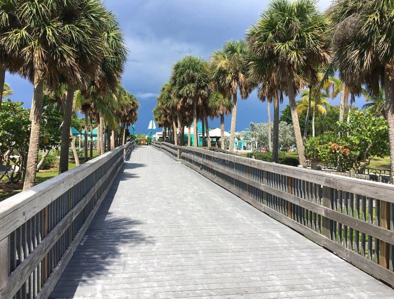Boardwalk na fortu Myers plaży zdjęcie stock