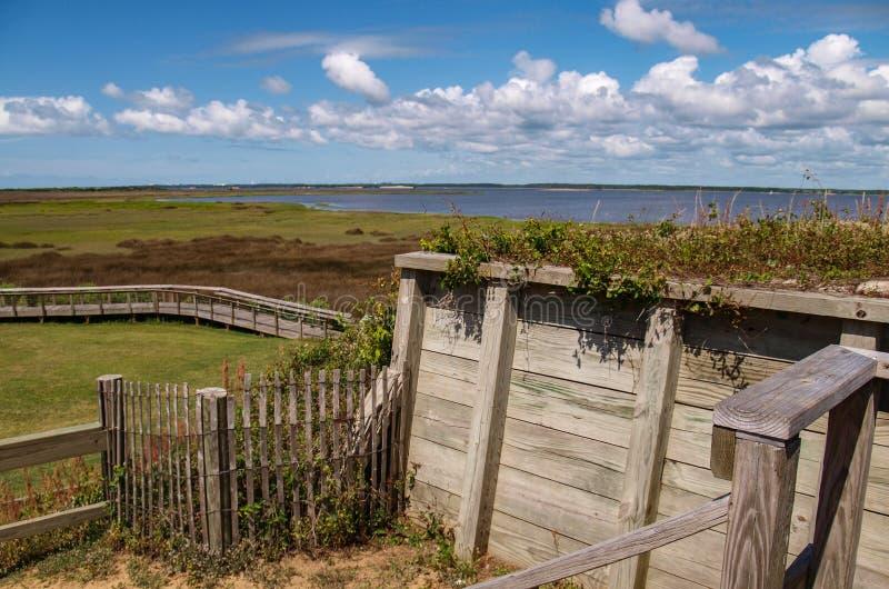 Boardwalk nad bagnem przy fortu Fisher stanu Historycznym miejscem obrazy stock
