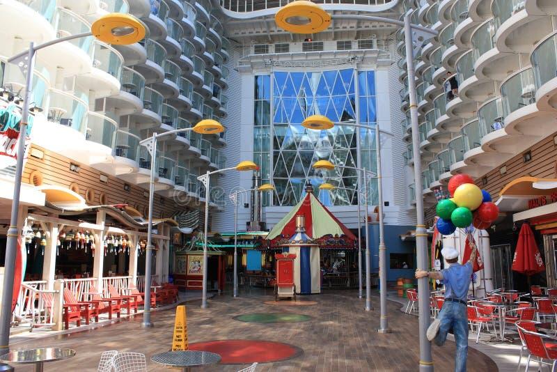 Download Boardwalk oazy morza zdjęcie stock editorial. Obraz złożonej z dzieciaki - 22841873