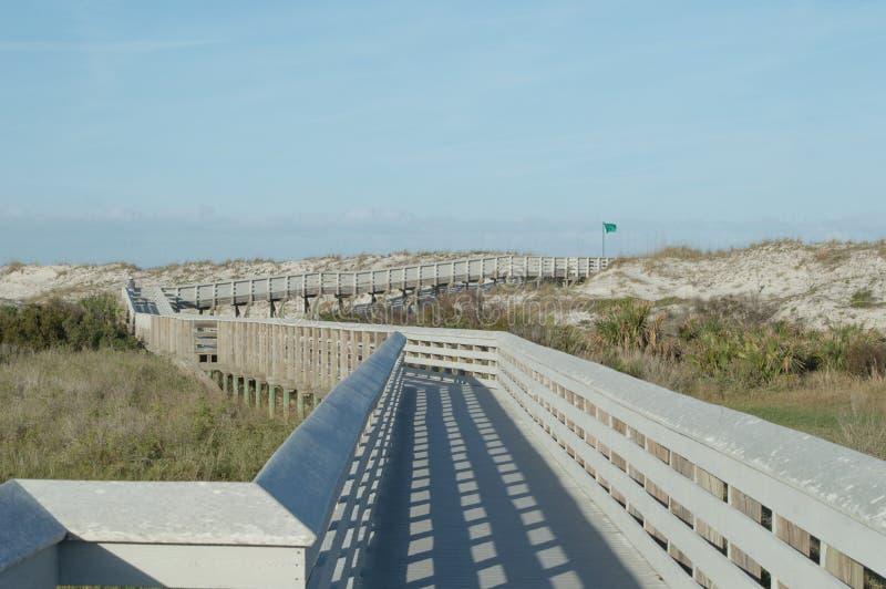 Boardwalk prowadzi ocean obrazy royalty free