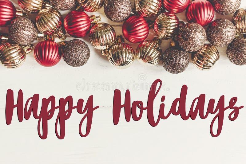 Boas festas texto, sinal sazonal do cartão de cumprimentos fla do Natal imagem de stock