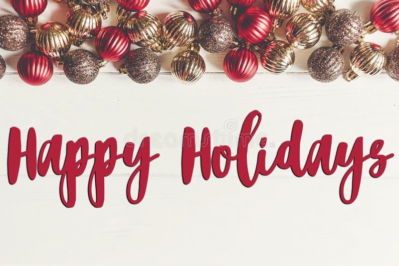 Boas festas texto, sinal sazonal do cartão de cumprimentos fla do Natal imagens de stock royalty free