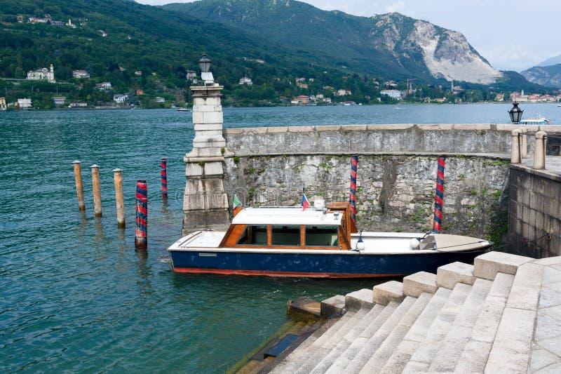 Boat. Motor launch boat, Lago di Maggiore, Italia stock images