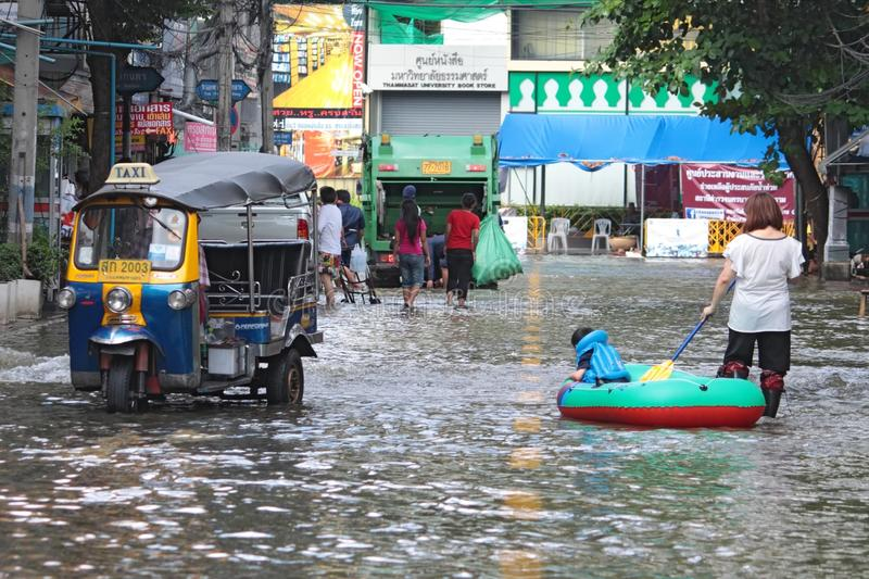 Download Boat On Bangkok Street. Editorial Stock Image - Image: 21814554