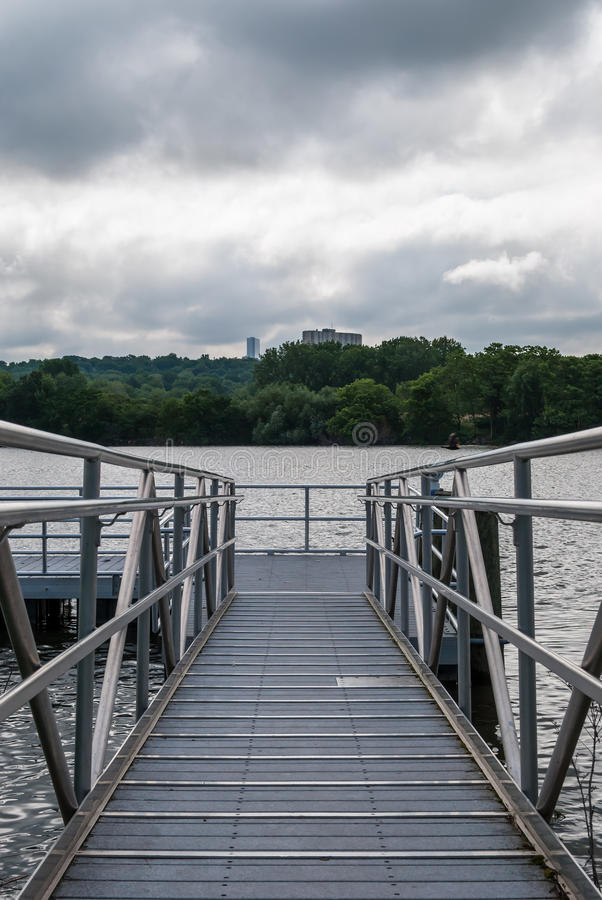 Free Boat Dock Stock Photography - 85293192
