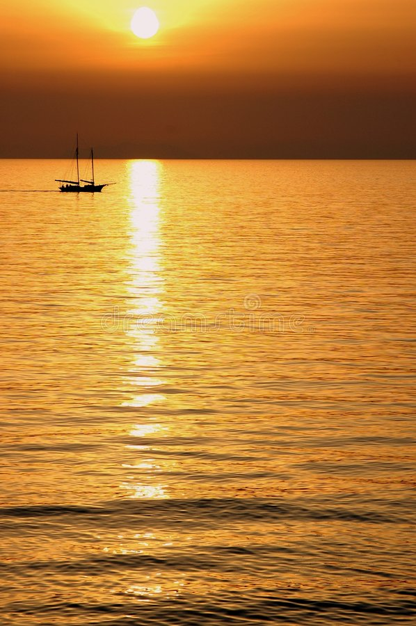 Free Boat In Sunset Stock Photos - 8767463