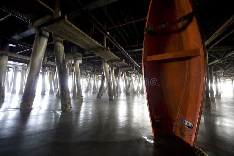 boat pier under στοκ εικόνα με δικαίωμα ελεύθερης χρήσης