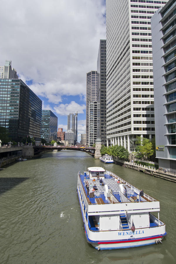 Download Boat Ride On River North Chicago Editorial Photography - Image: 21053787