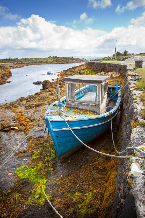 Download The Boat and The Tide stock image. Image of ireland, county - 20966817