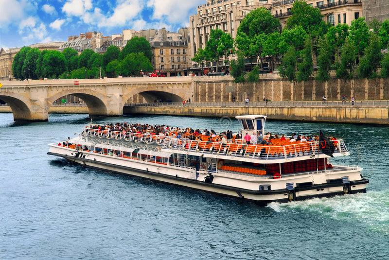 Download Boat tour on Seine stock image. Image of holiday, architecture - 2981473