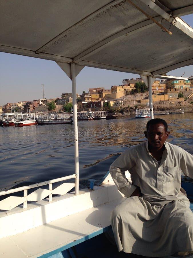 Boatman aan de Tempel van ISIS stock foto