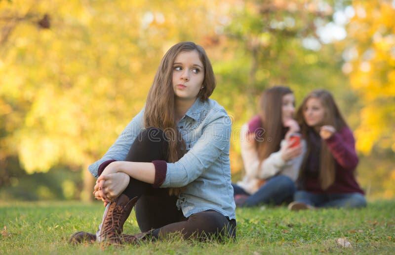 Boatos sobre a menina adolescente imagem de stock royalty free