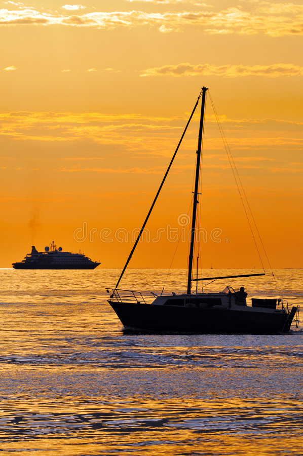 Free Boats At Sunset Royalty Free Stock Images - 6064339