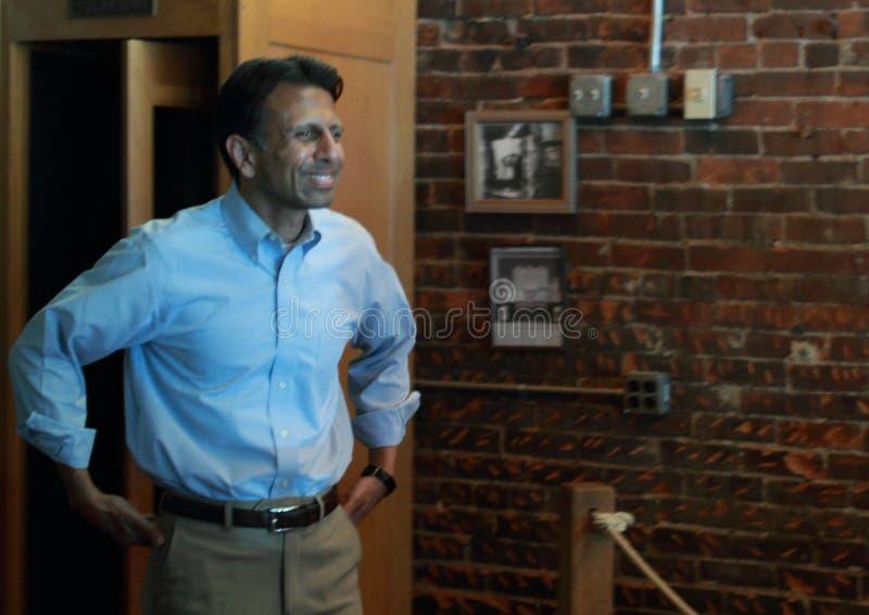 Bobby Jindal, Gouverneur von Louisiana und Präsidentschaftskandidat spricht bei Smokey Row Coffee House, Oskaloosa, Iowa lizenzfreies stockbild