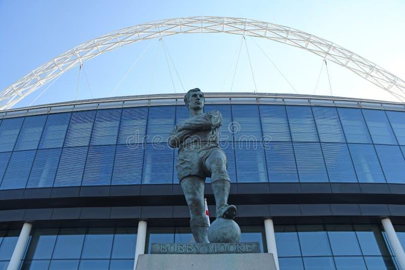 Bobby Moore Statue na frente do Wembley Stadium fotografia de stock