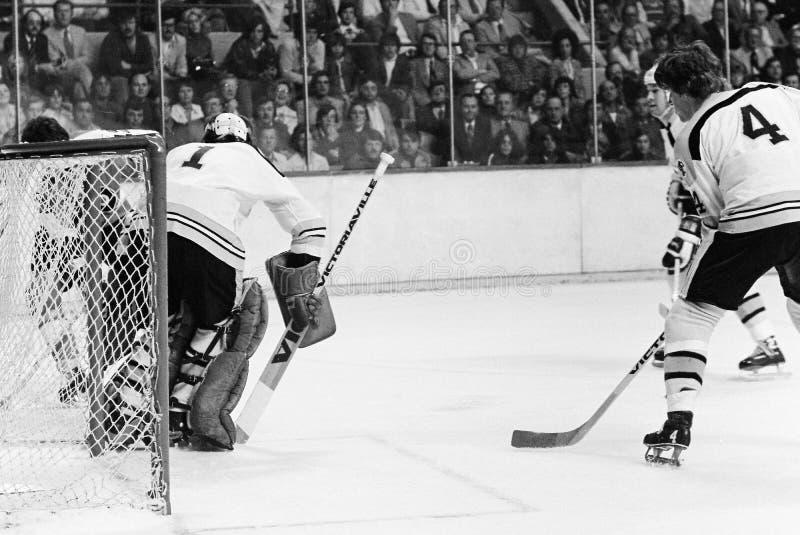 Bobby Orr e Gilles Gilbert, Boston Bruins immagini stock libere da diritti