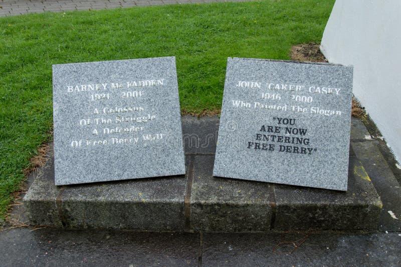 Bobby Sands Monument dans Derry image libre de droits