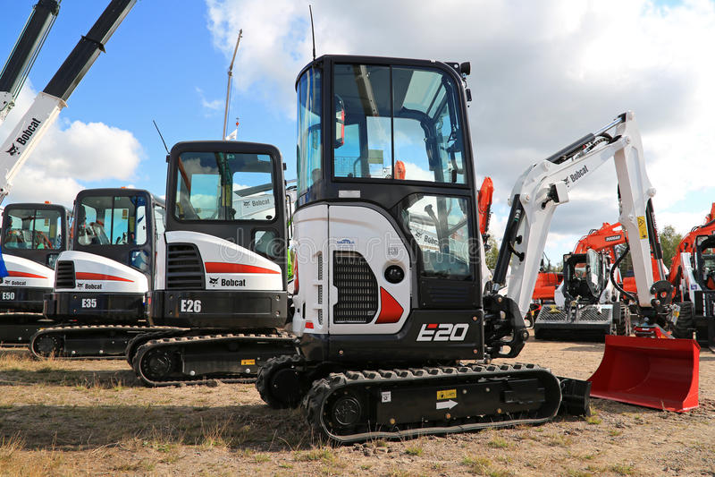 Bobcat Compact Excavators auf Anzeige stockfoto