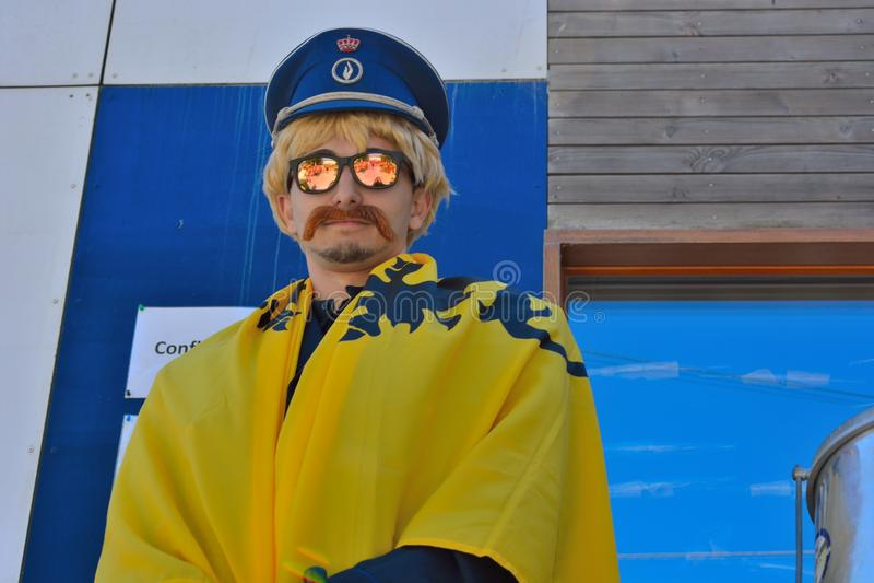 Bobina belga falsa que executa no festival fotografia de stock