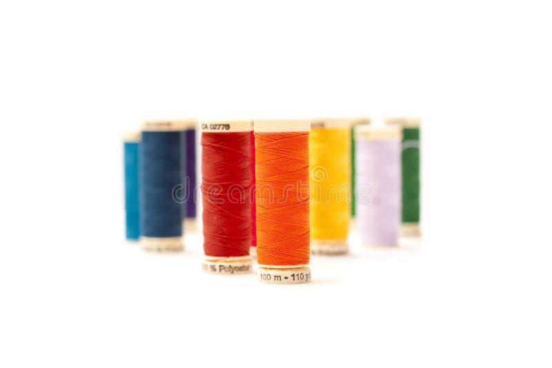 Bobina colorida da linha imagens de stock