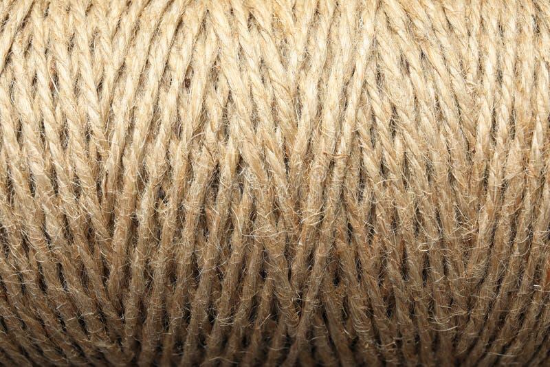 Bobina con la corda della canapa, primo piano immagini stock