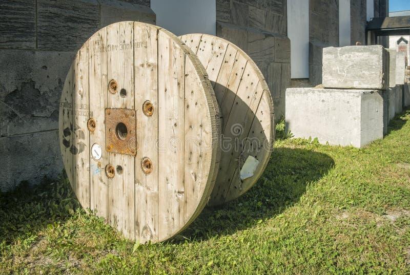 Bobina de cabo de madeira fotos de stock royalty free