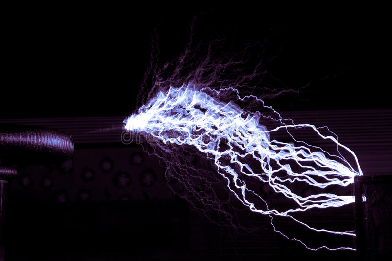 Bobina de Tesla imagen de archivo libre de regalías