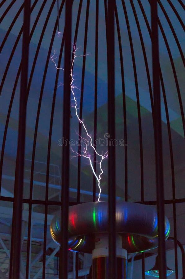 Bobina de Tesla imagens de stock royalty free