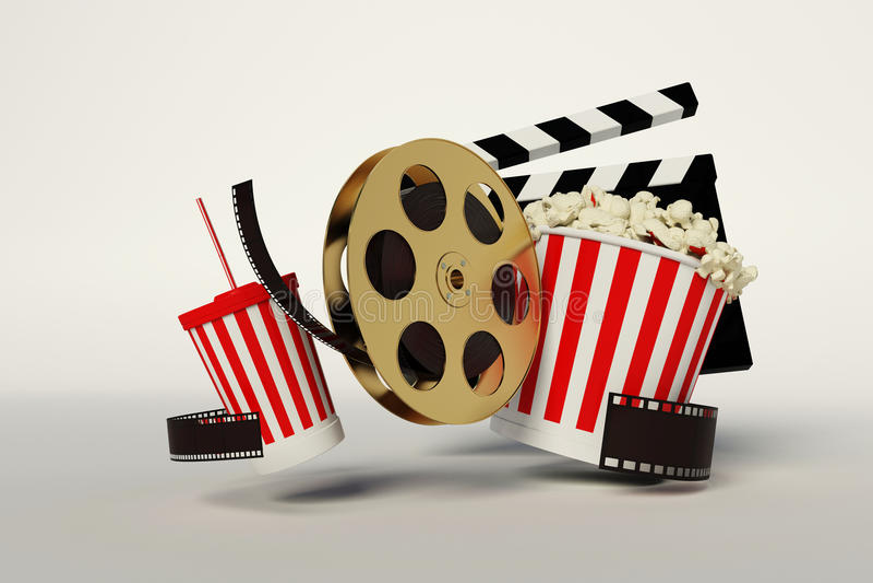 Bobina di film, popcorn, striscia di film, tazza eliminabile per le bevande con fotografie stock