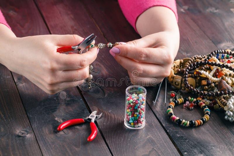 Bobina, gotas y herramientas para la costura fotografía de archivo libre de regalías