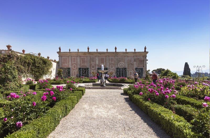Bobolien arbeta i trädgården i Florence, trädgårds- Cavaliere royaltyfria foton