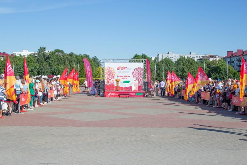 Bobruisk白俄罗斯06 03 2019年:在中心广场的准备导致的欧洲比赛的火2019年 库存照片