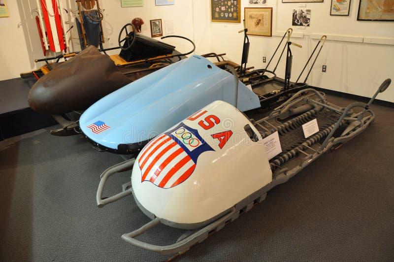 Bobsled antigo no museu olímpico de Lake Placid, EUA foto de stock royalty free