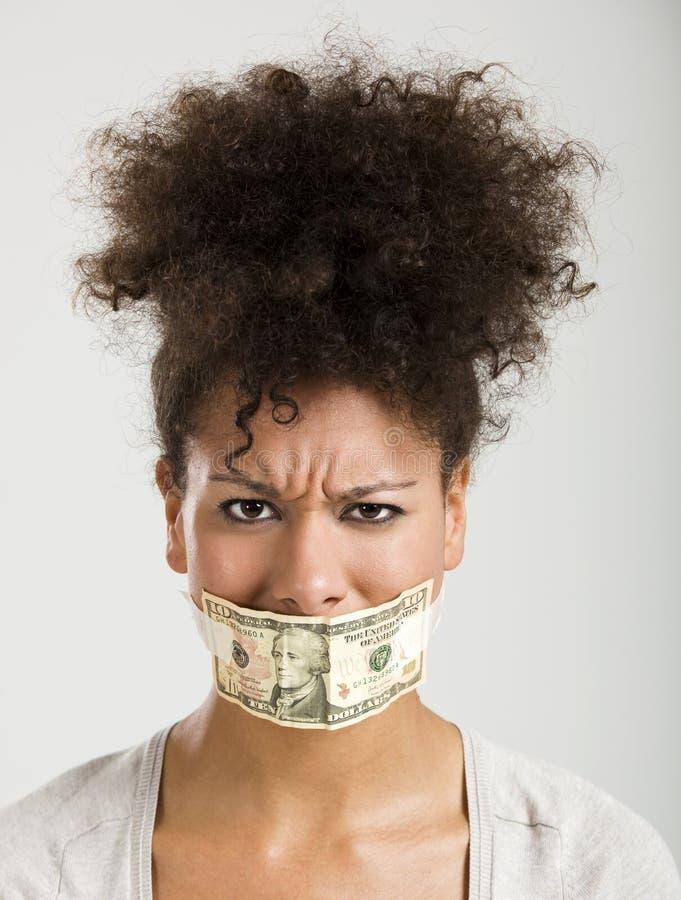 Boca da coberta com uma cédula do dólar fotos de stock royalty free