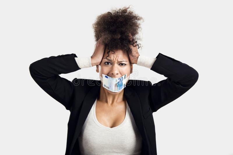 Boca da coberta com uma euro- cédula fotografia de stock royalty free