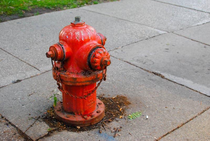 Boca de incêndio de incêndio vermelho fotografia de stock royalty free