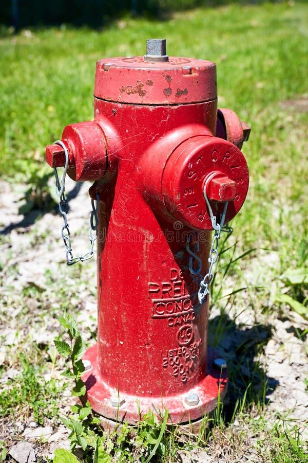 Boca de inc?ndio de fogo vermelho da cidade de Montreal fotografia de stock