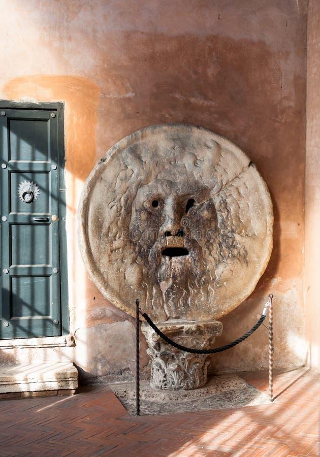 Boca de la verdad en Roma imagen de archivo libre de regalías