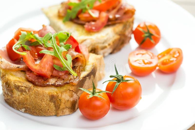 Download Bocadillo De Bruschetta Del Italiano Foto de archivo - Imagen de sano, comida: 44856856