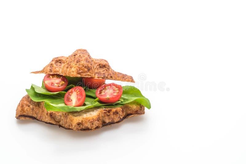bocadillo del cruas?n de los tomates - sano o estilo de la comida del vegano foto de archivo