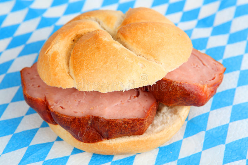 Bocadillo del pan con carne fotos de archivo libres de regalías