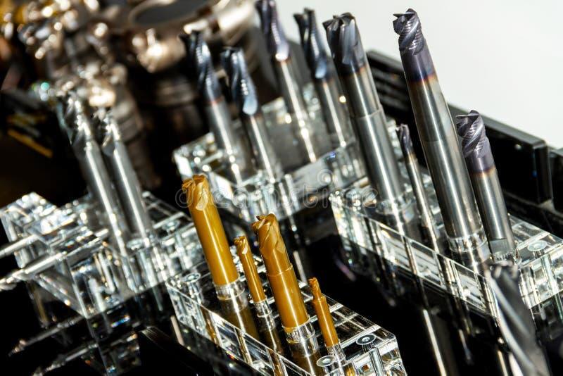 Bocados de brocas de trituração do metal para a máquina-instrumento fotografia de stock royalty free