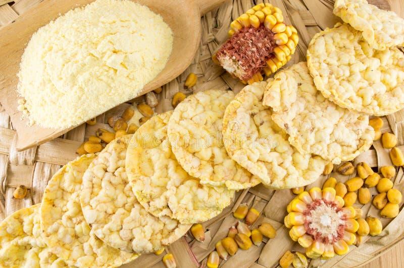 Bocados formados círculo del maíz fotografía de archivo