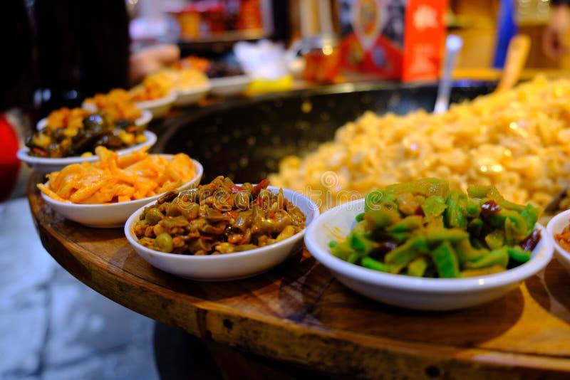 Bocados salados chinos coloridos fotografía de archivo