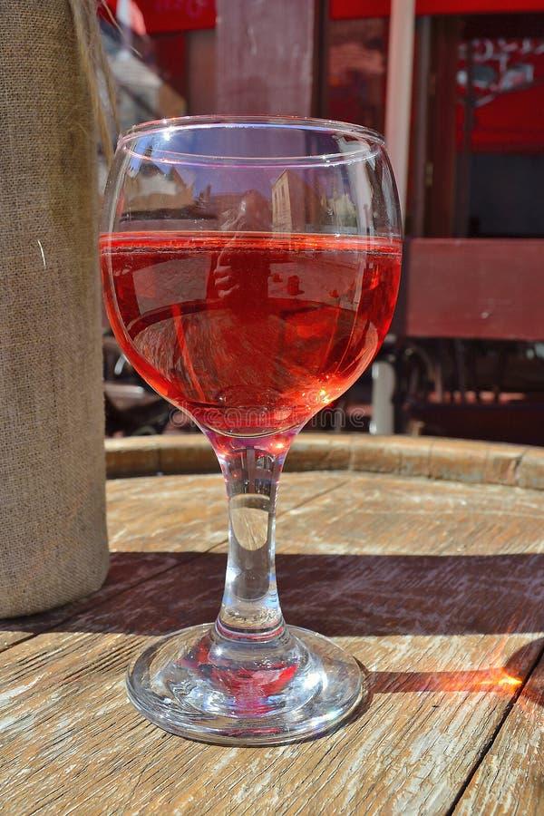 Bocal com vinho fotografia de stock