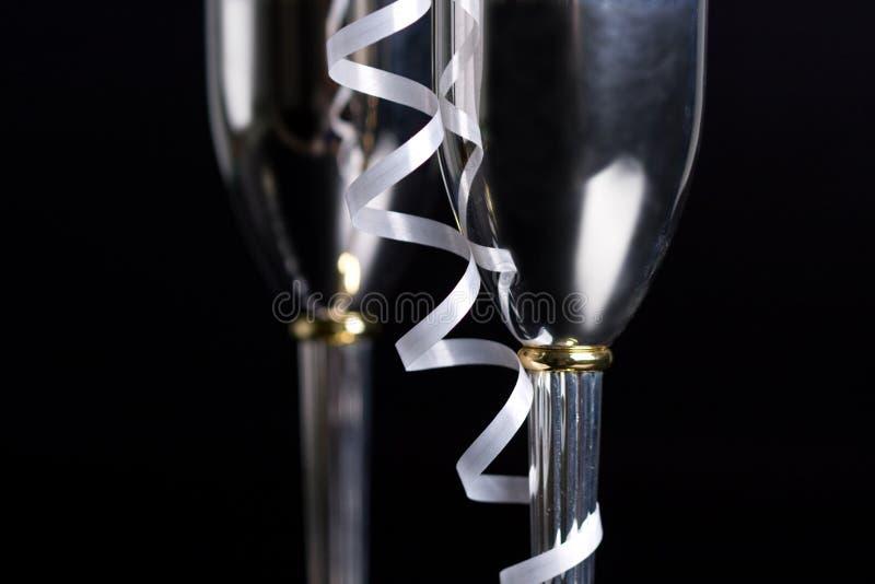 Bocals argentés et décoration serpentine photo libre de droits