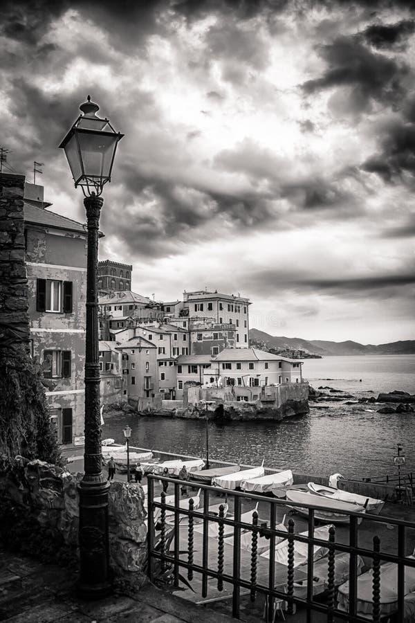 Boccadasse, piccolo villaggio dal mar Mediterraneo a Genova, pho fotografie stock