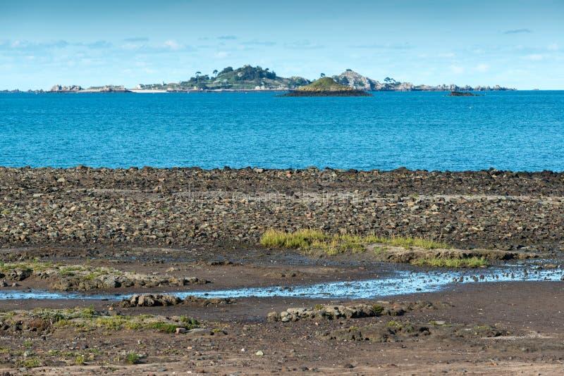 Bocht van Beauport at low tide (Frankrijk) stock afbeelding